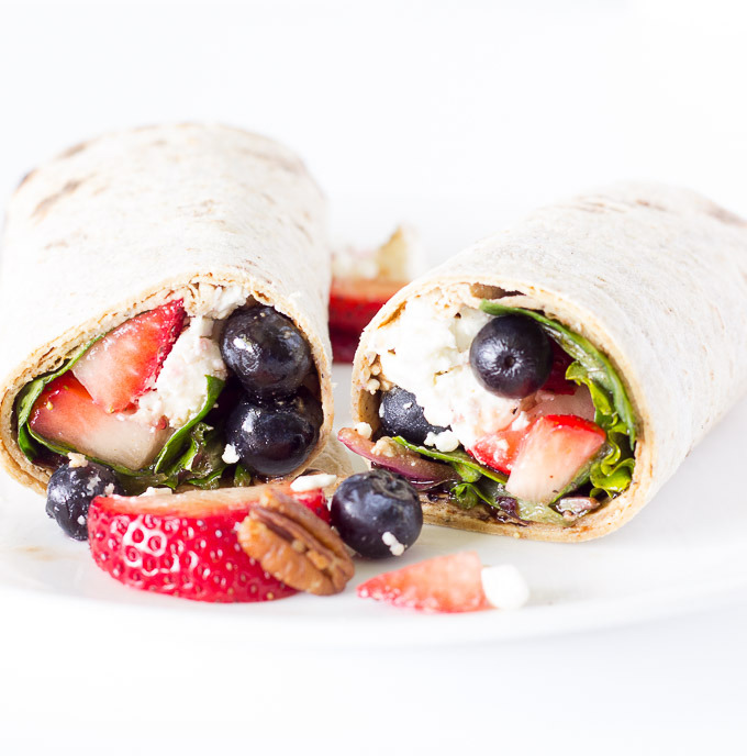 Berry-Balsamic-Salad-Wraps-3
