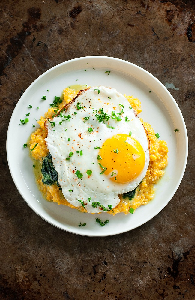 cheddar-pumpkin-grits-creamy-spinach-fried-egg-recipe-PEASandCRAYONS-2010xS