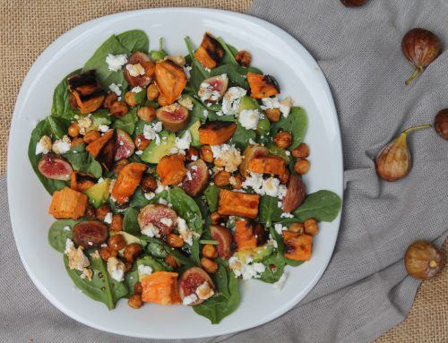 Spinach and Fig Salad with Roasted Chickpeas